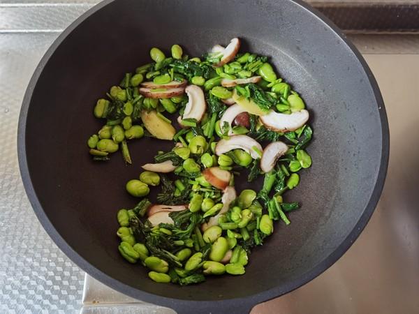 好吃下饭小菜,雪里蕻笋片香菇炒豆瓣的简单做法