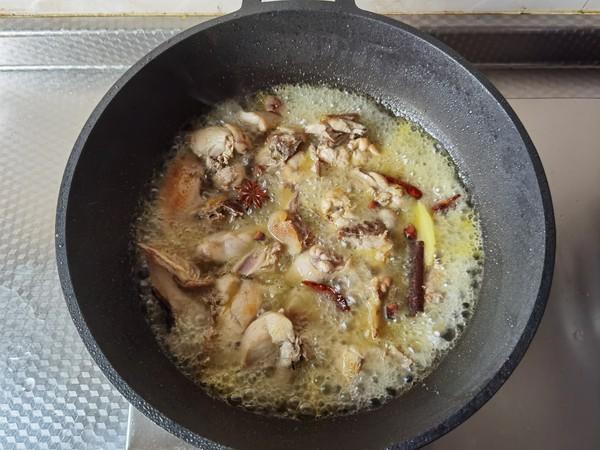 好吃入味的板栗炖鸡的简单做法