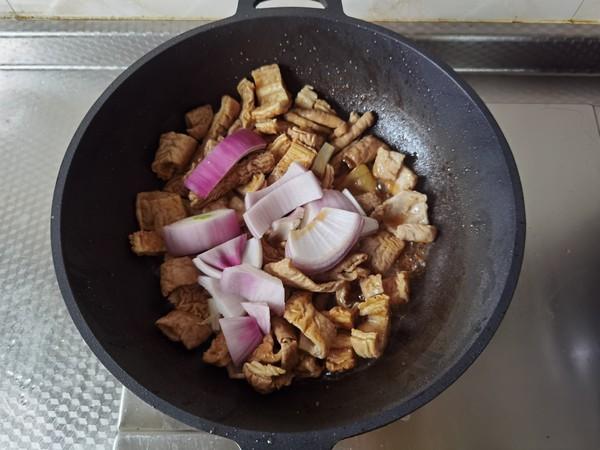 青红椒炒大肠的简单做法