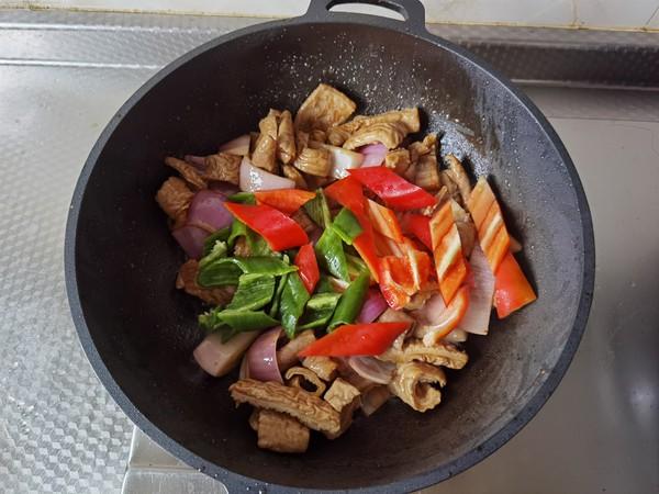 青红椒炒大肠怎么吃