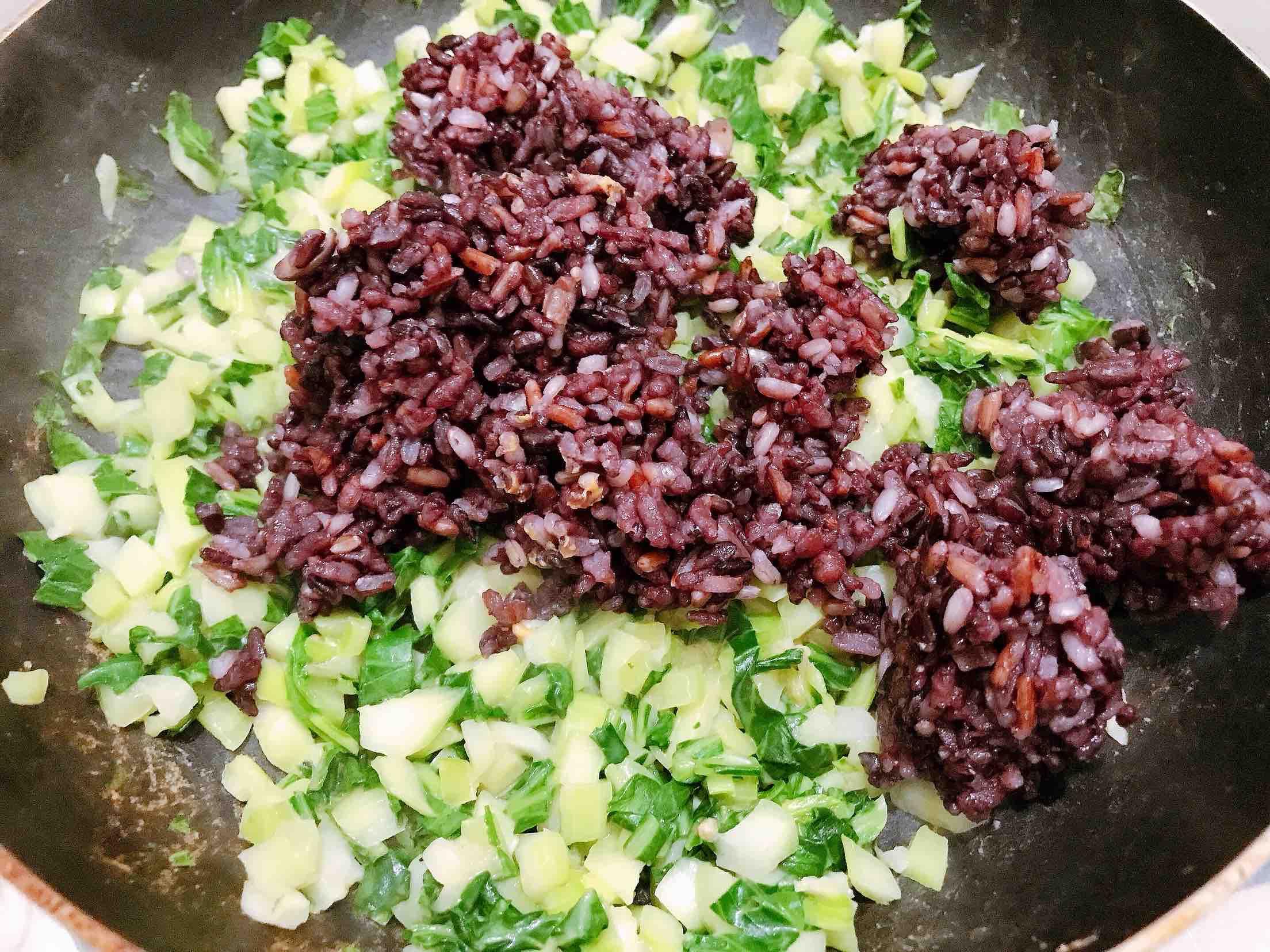 花生酱青菜糙米炒饭怎么做
