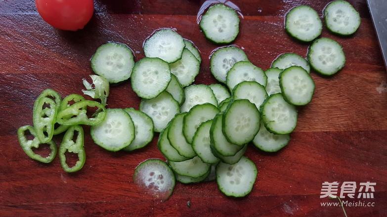 蔓越莓牛油果沙拉的家常做法