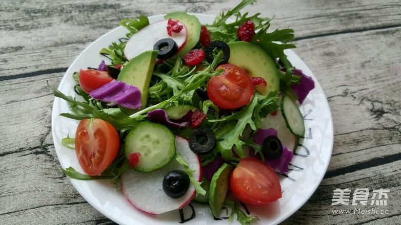蔓越莓牛油果沙拉怎么做