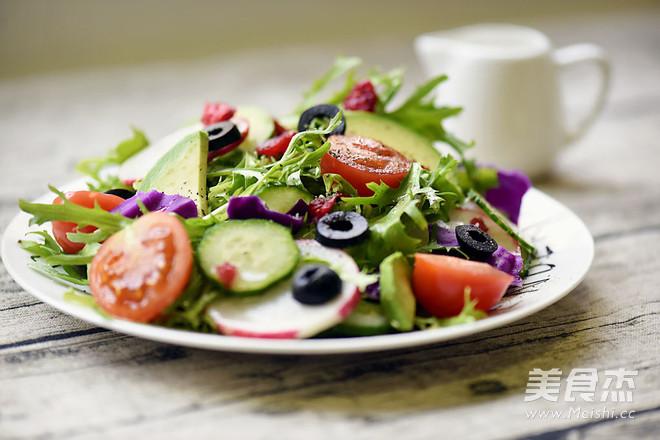 蔓越莓牛油果沙拉怎么煮
