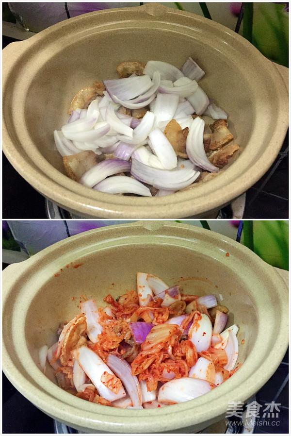 泡菜海鲜豆腐锅的家常做法