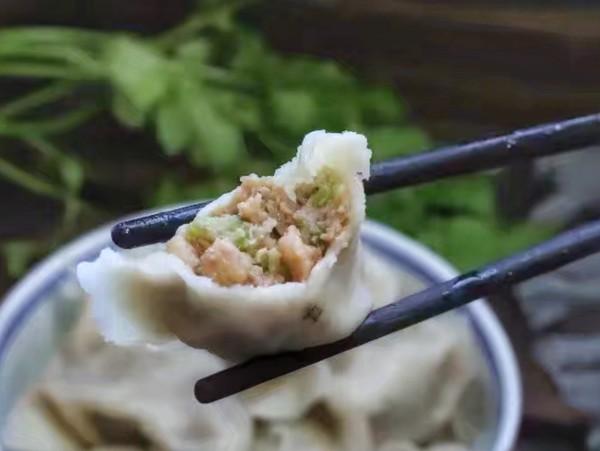 芹菜猪肉馅水饺怎样炒