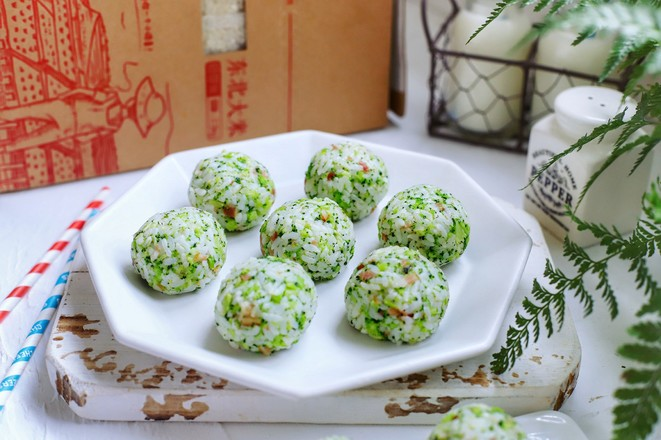 西兰花胚芽米饭团怎样做
