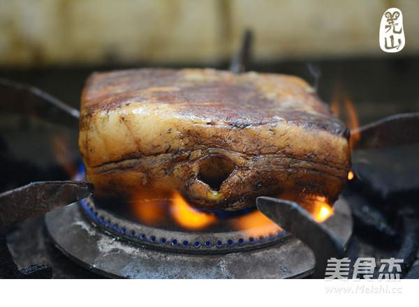 羌山老腊肉炒豌豆片的做法大全