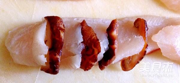 豆腐香菇蒸鲷鱼的简单做法