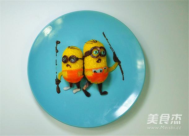 栀子花小黄人饭团怎么做