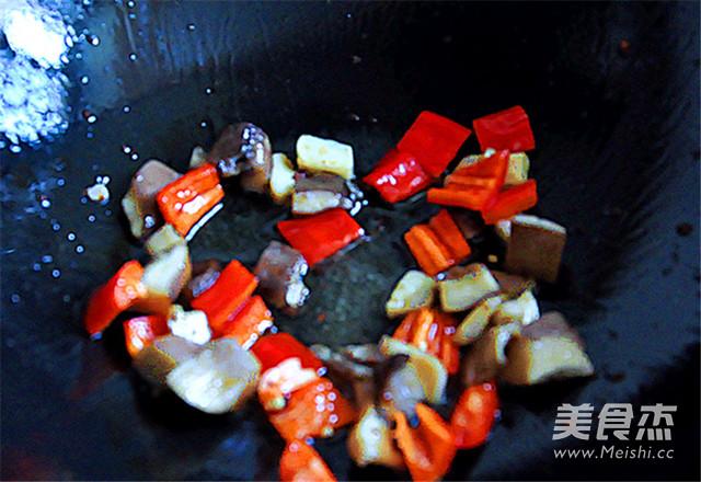 蒜炒牛蹄筋怎么煮