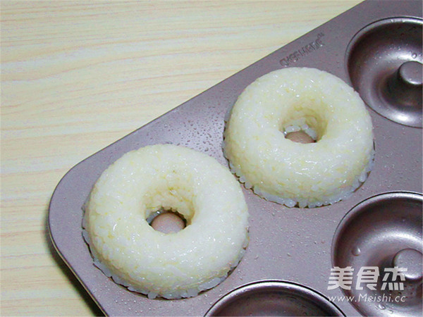 甜甜圈巧做小鸡米饭团的简单做法