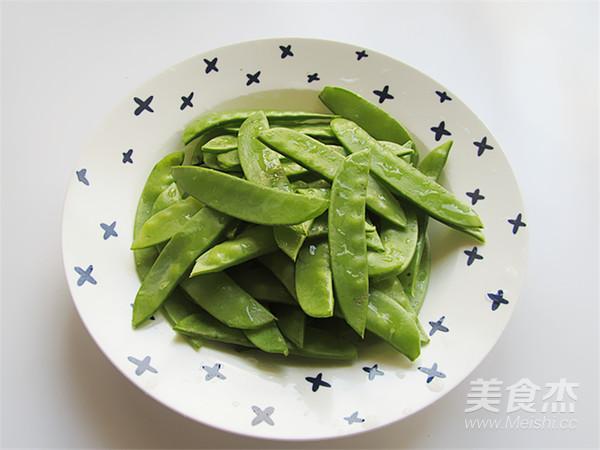 素爆虾仁荷兰豆的家常做法