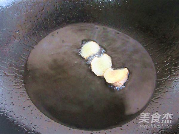五花肉炒蒜苔怎么做