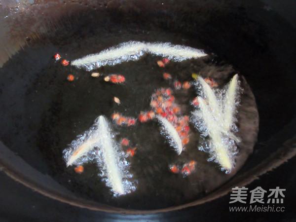 螺蛳肉炒韭菜怎么做