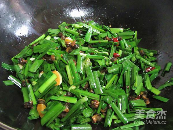 螺蛳肉炒韭菜怎么煸