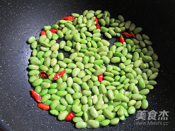 海鲜菇蚝油炒毛豆怎么做