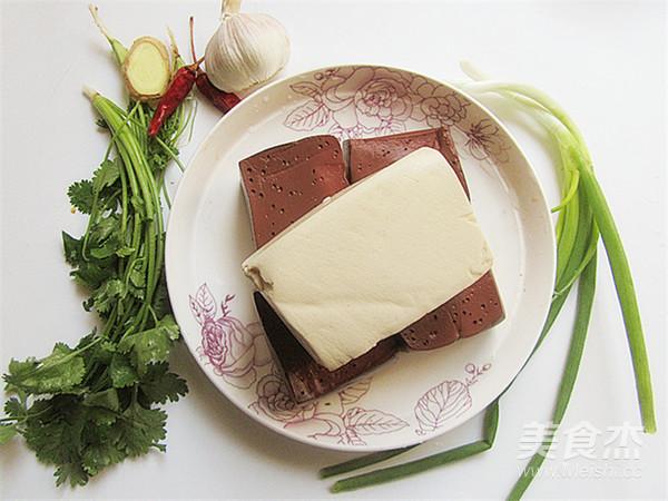 猪血炖豆腐的做法大全