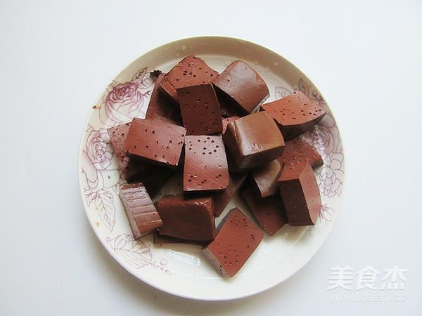猪血炖豆腐的家常做法