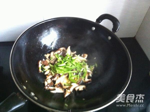 香菇炒肉丝怎么做