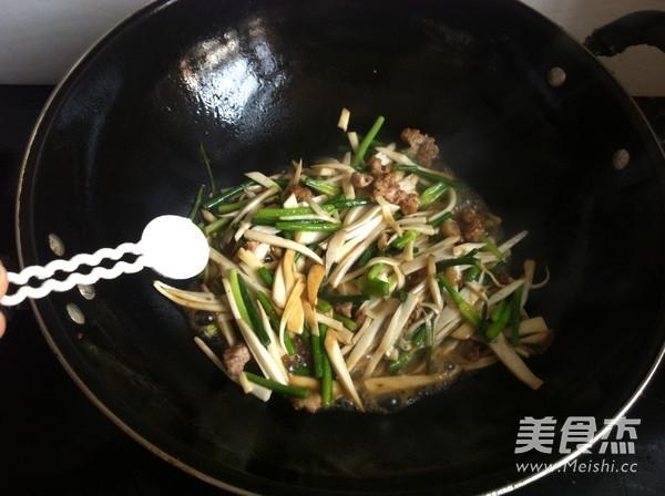 杏鲍菇炒蒜苔怎么吃