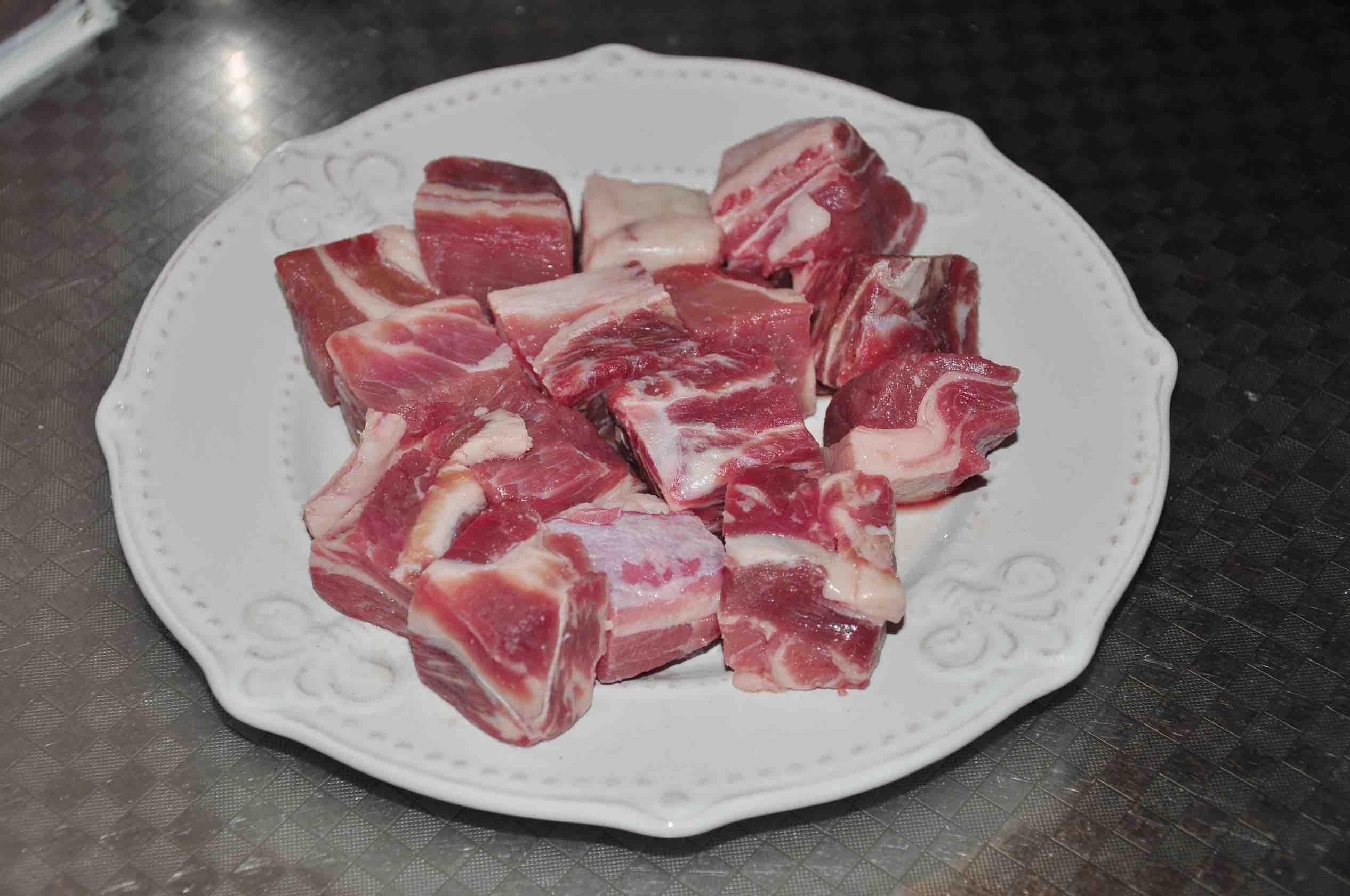 颜值和美味并存的红酒牛腩的家常做法