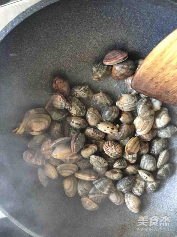 爆炒蛤蜊的简单做法