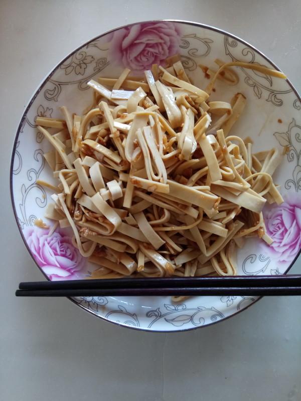 凉拌豆腐皮成品图