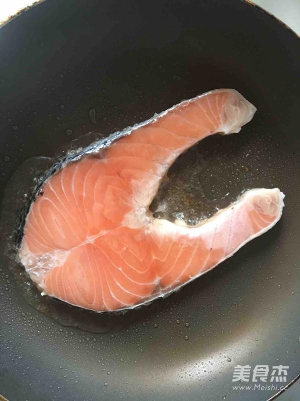 香煎三文鱼排的家常做法