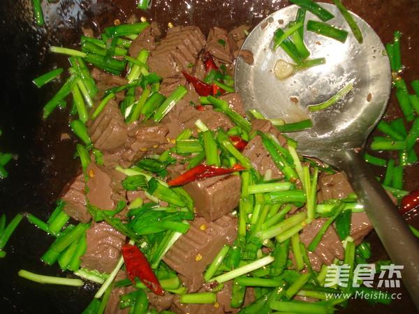 韭菜炒猪血怎么吃