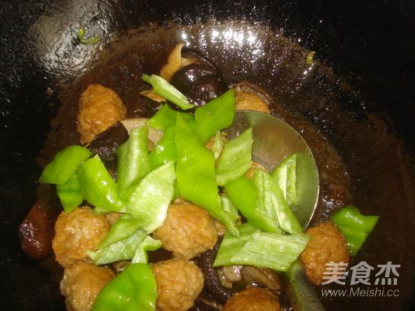 香菇豆腐丸子怎样煸
