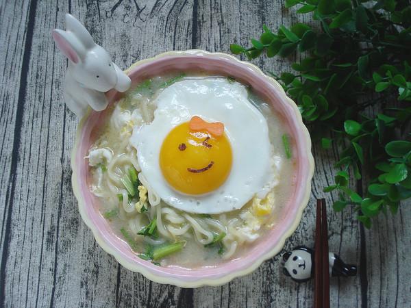 鸡蛋牛骨高汤面成品图