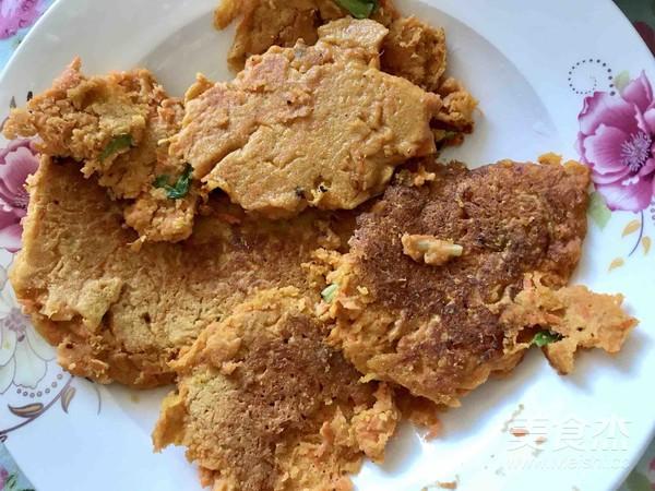 香煎胡萝卜鸡蛋饼的家常做法