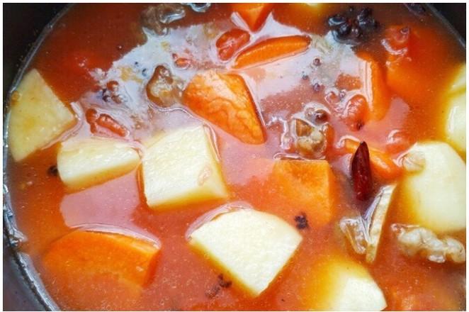 番茄土豆胡萝卜炖牛腩——高压锅版怎样炒