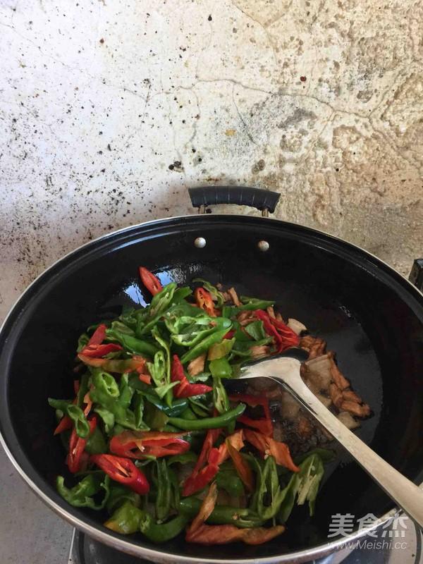 辣椒炒肉丝怎么做