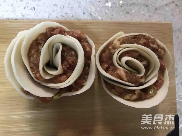 玫瑰花型水煎饺的做法图解
