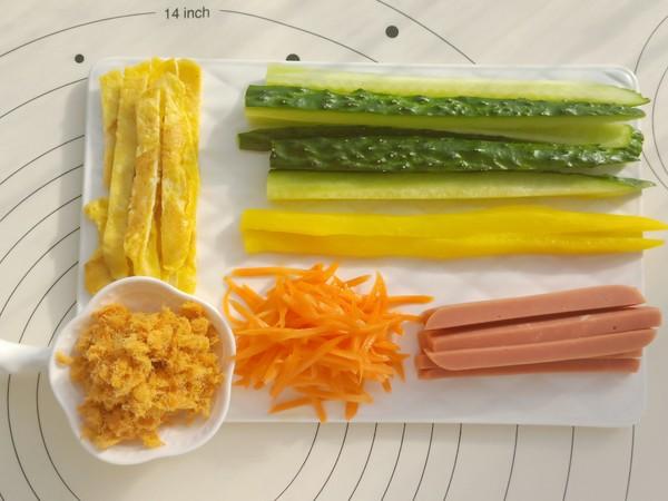 肉松紫菜包饭的家常做法