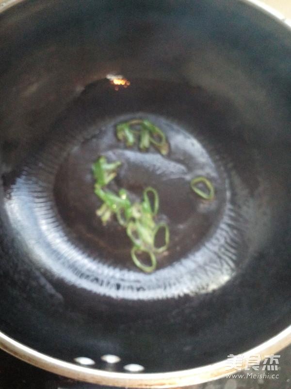 荠菜蛤蜊汤的简单做法