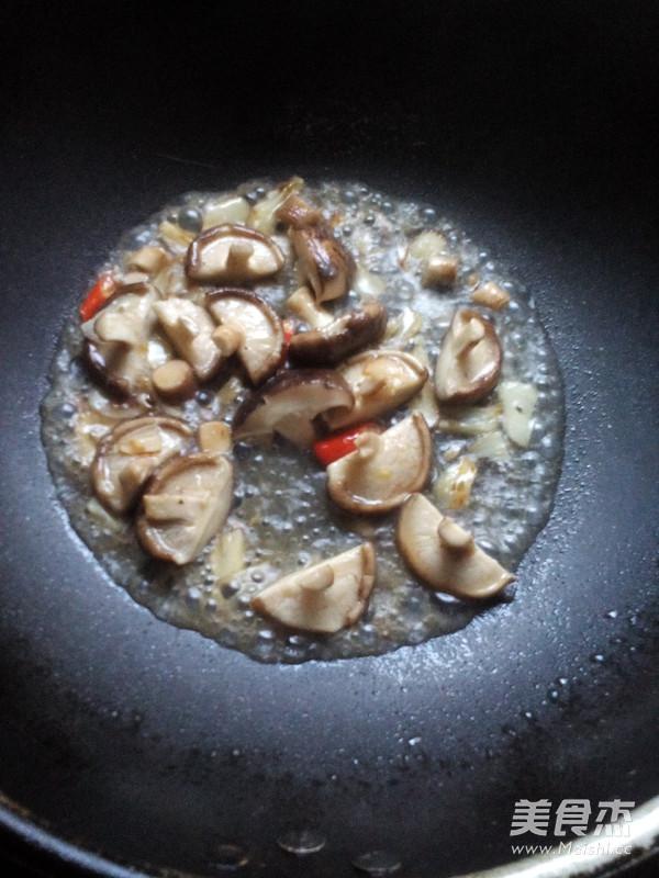 香菇炒油菜怎么吃