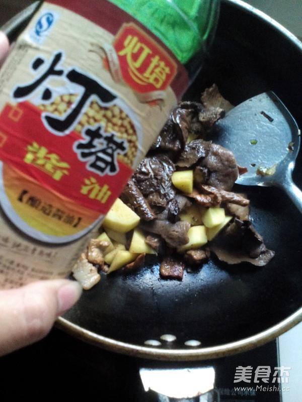 土豆猪肉炖松蘑怎么炖