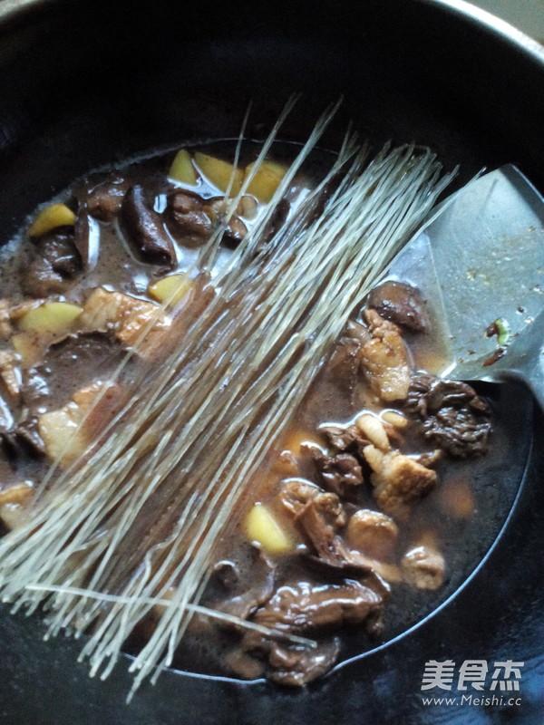 土豆猪肉炖松蘑怎样做