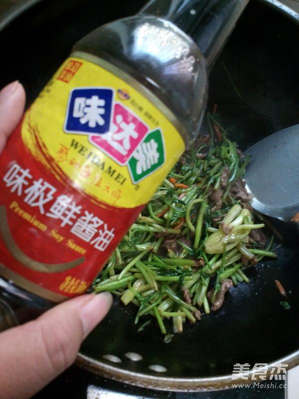 牛肉炒香菜怎么炒