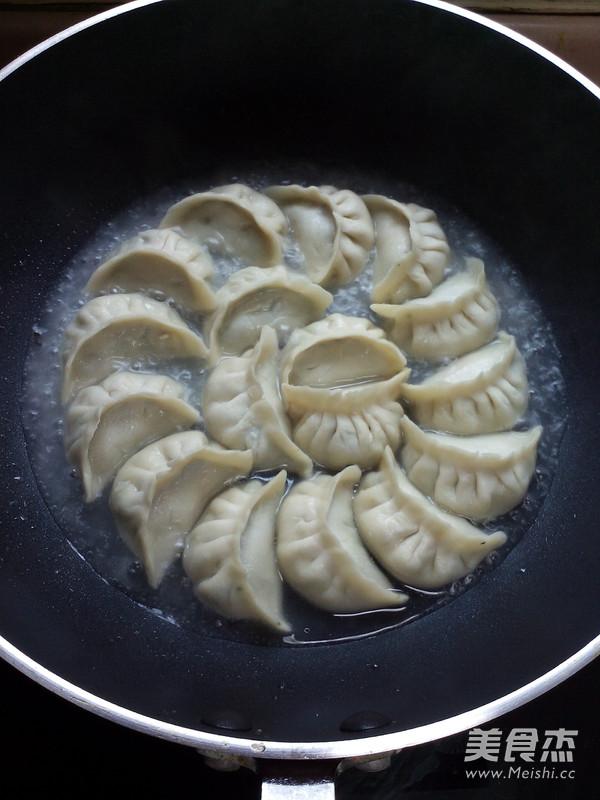 荠菜煎饺怎样炖