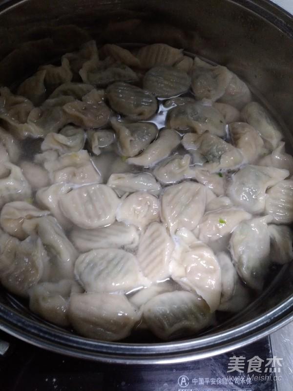 荠菜猪肉馅饺子怎么煸
