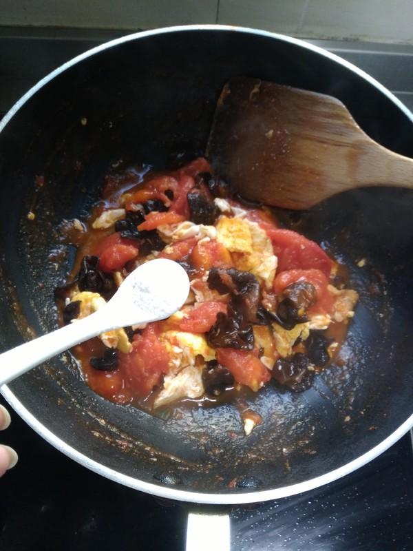 番茄木耳炒蛋怎么做