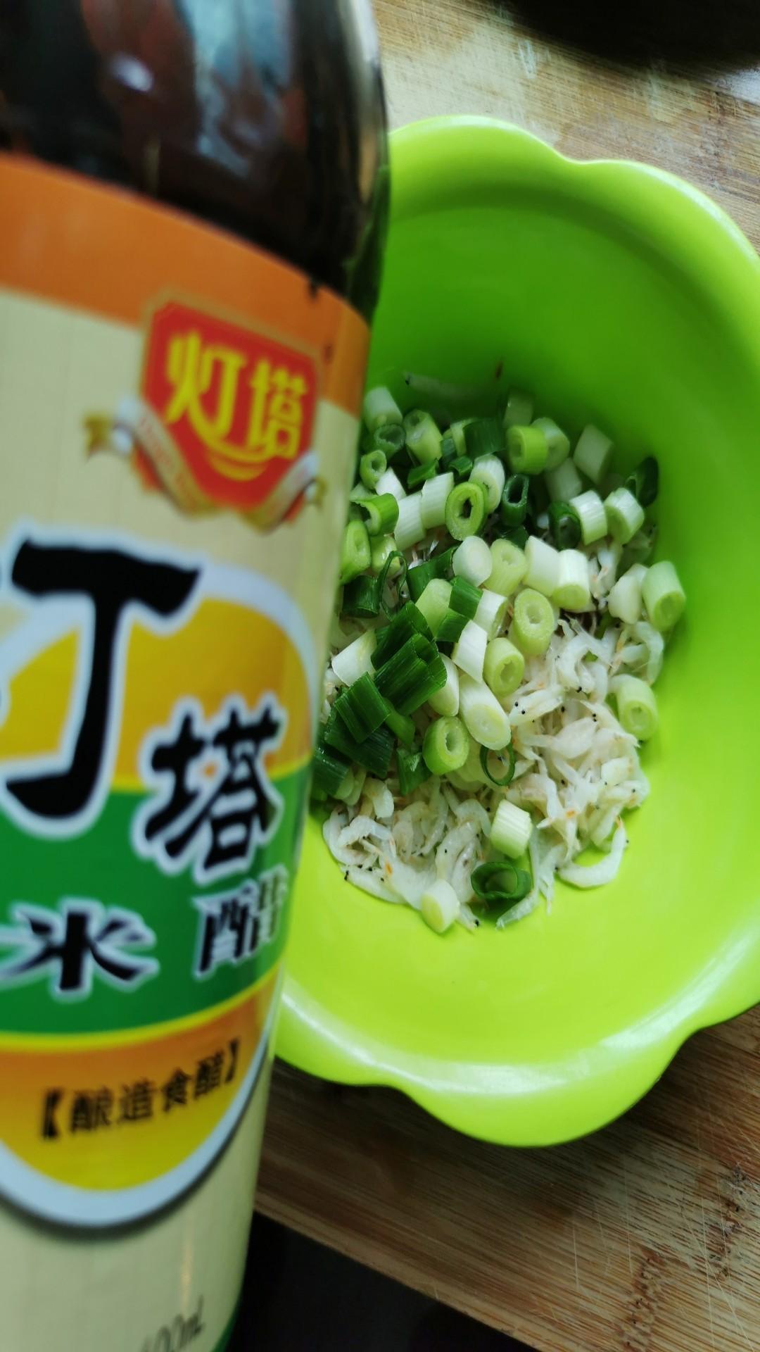 小葱拌虾皮怎么吃