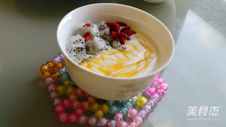 火龙果伴酸奶的步骤