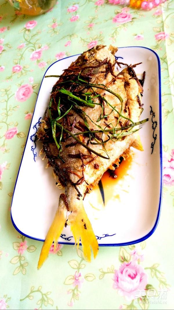 香煎白鲳鱼成品图