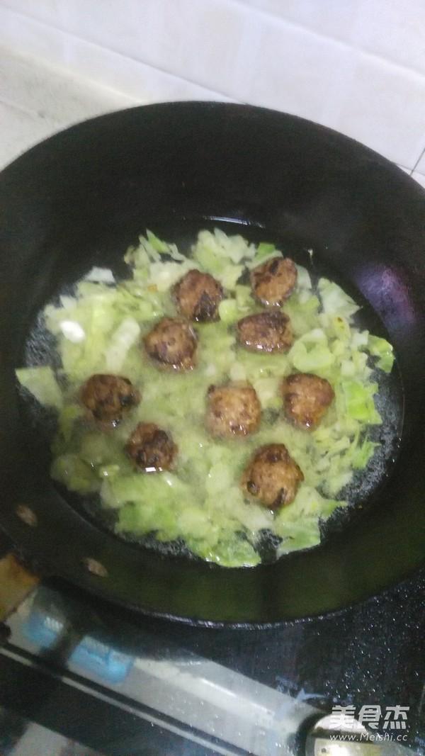 香菇肉丸青菜汤怎样煸