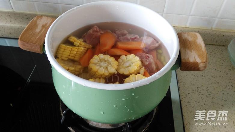 胡萝卜玉米毛豆骨头汤怎么吃